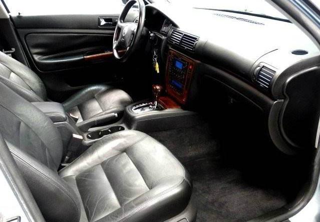 2004 vw passat interior for Volkswagen passat 2000 interior